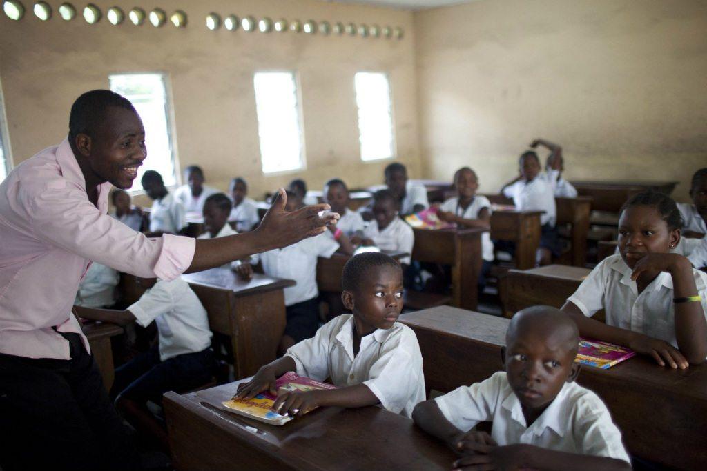 La escuela primaria San Luis, en Kinshasa, República Democrática del Congo. Foto: Dominic Chavez / Banco Mundial