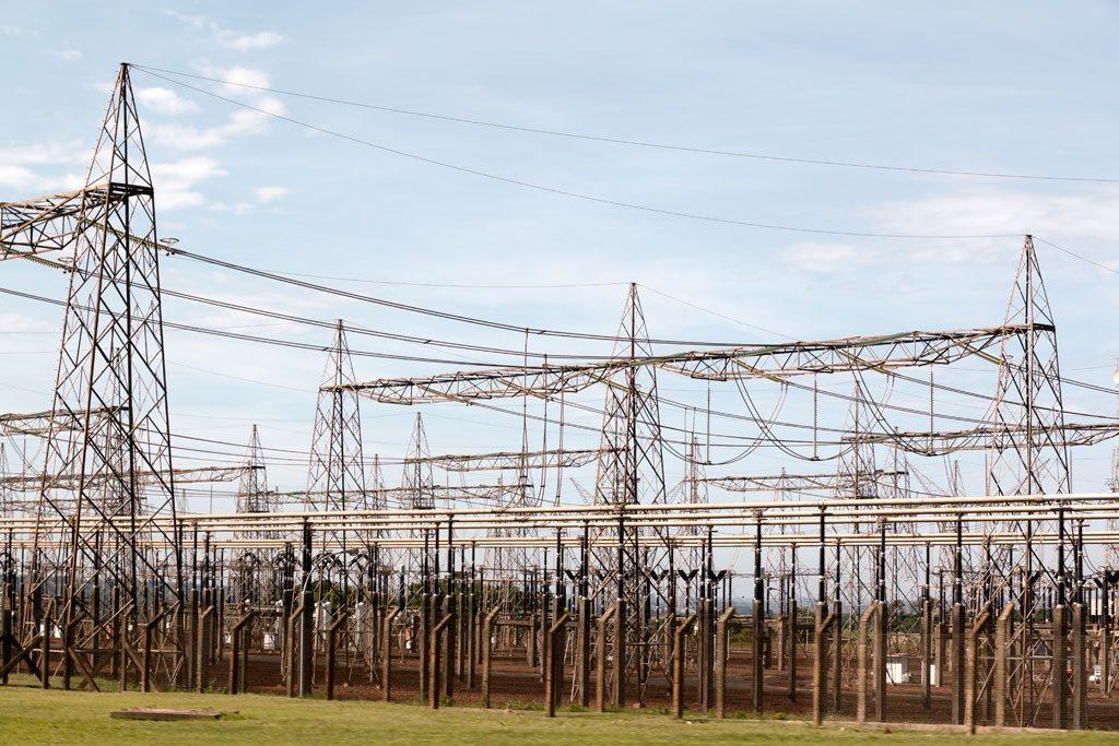 Entre 2011 y 2030 la demanda energética en América Latina aumentará un 80%. En la imagen, la hidroeléctrica de Itaipu, en Paraguay, una fuente de energía limpia y renovable. Foto: ONU/Evan Schneide