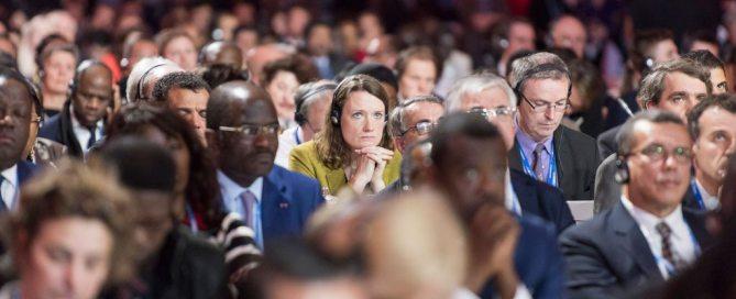 Cérémonie de clôture de la COP21 à Paris.