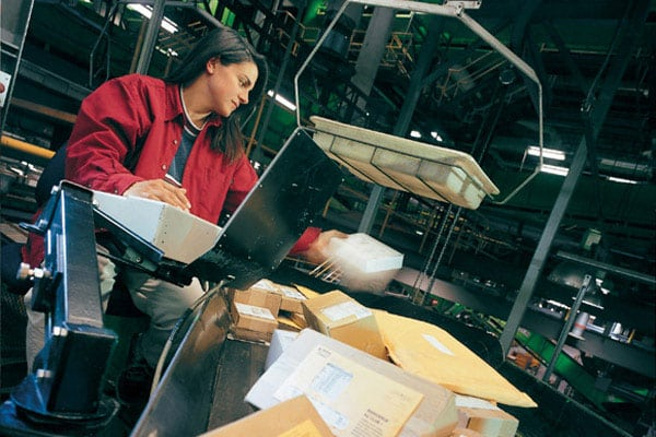 Between 2011 and 2014, global deliveries of small packets and parcels by Posts worldwide increased by some 48 per cent