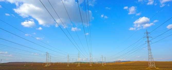 Photo: Power lines in Bulgaria. Photo: World Bank/Boris Rumenov Balabanov
