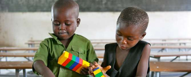 Children playing with toys at Shirichena Primary School, Mhondoro district, in Zimbabwe. Photo: UNICEF/Giacomo Pirozzi