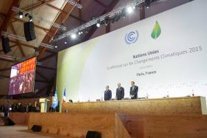 Photo: World leaders observed a moment of silence for the victims of the recent terrorist attacks in Paris at the start of the twenty-first session of the Conference of Parties (COP21) to the UN Framework Convention on Climate Change (UNFCCC).