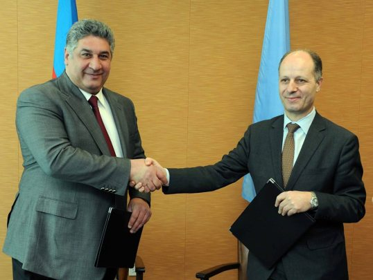 H.E. Azad Rahimov, Minister of Youth and Sport of the Republic of Azerbaijan and Maher Nasser, Director of the Outreach Division and Officer in Charge of the Department of Public Information, United Nations.