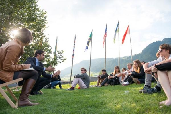 Ahmad Alhendawi addresses youth at the European Forum Alpbach