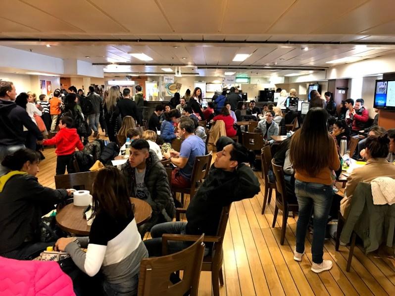 barco logos hope cafetería