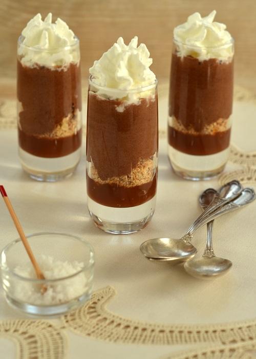Bicchierino Goloso con mousse di cioccolato all'olio extra vergine e caramello al sale Una casa in campagna ©2015 Alessandra Colaci