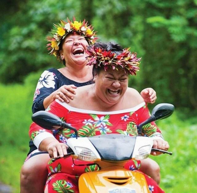 Lydia e Nene alle Cook Islands