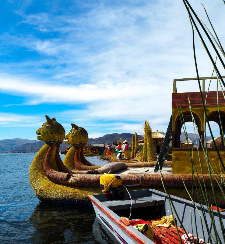Barche Isole Uros Lago Titicaca
