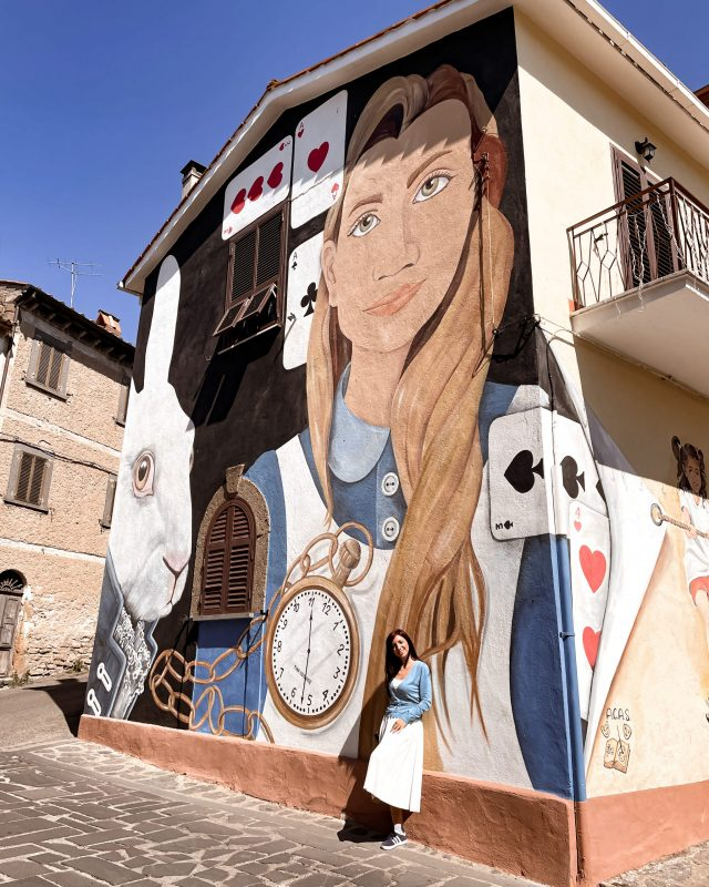 unadonnaalcontrario Murale Alice a Sant'Angelo di Roccalvecce