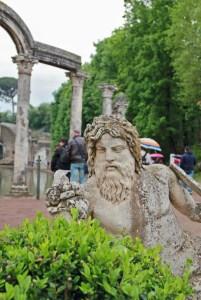 tivoli-villadriana-statua
