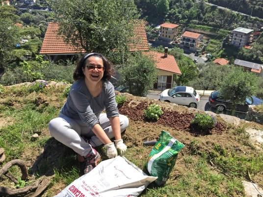 lavorando-giardino