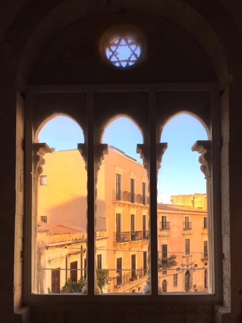 Finestra Palazzo Montalto Ortigia