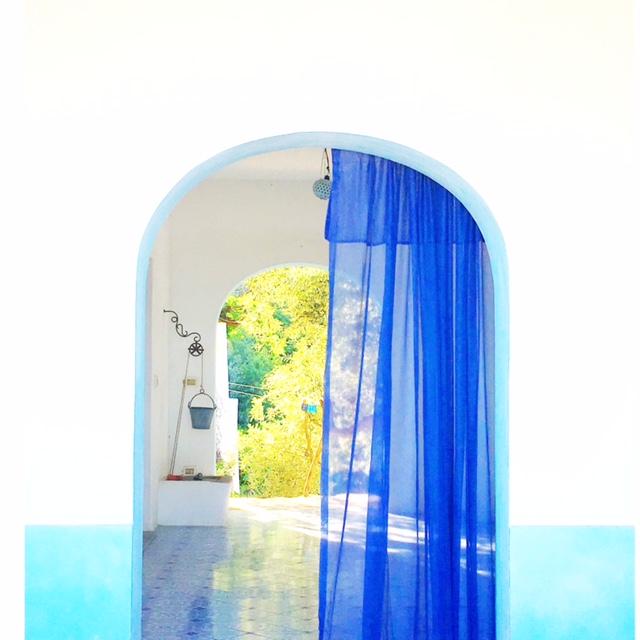 Porta blu Panarea