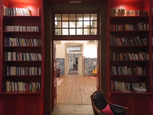 Biblioteca rossa Palacio Belmonte