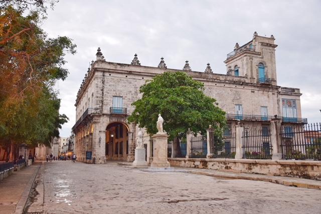 Plaza de Armas Havana