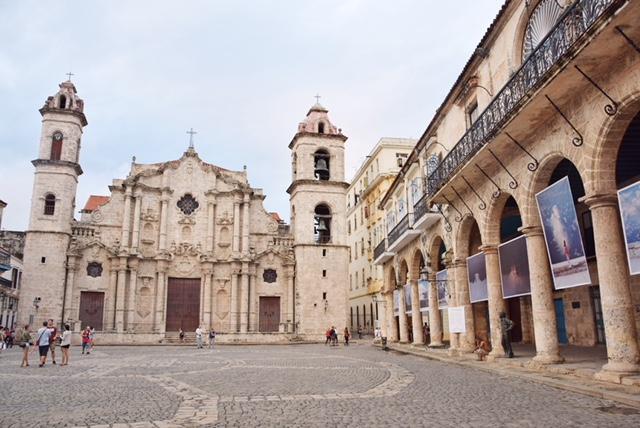 Plaza de la Catedral Havana