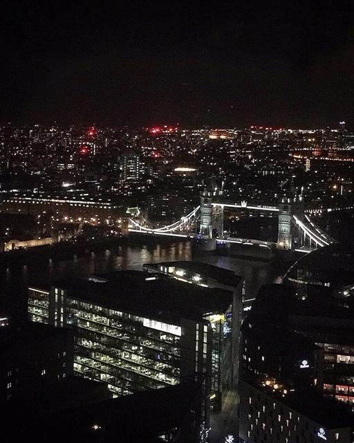 Vista sul London Bridge dall'Oblix at The Shard