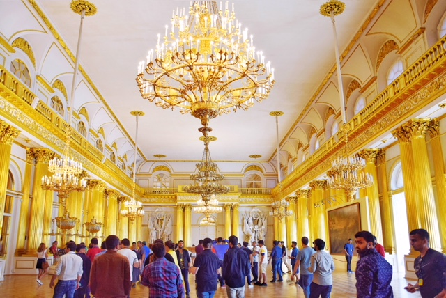 La sala d'oro dell'Hermitage San Pietroburgo