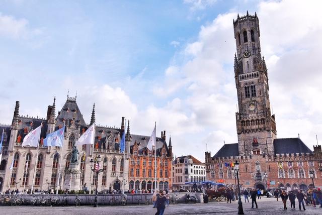 Grote Markt e il Belfort Bruges