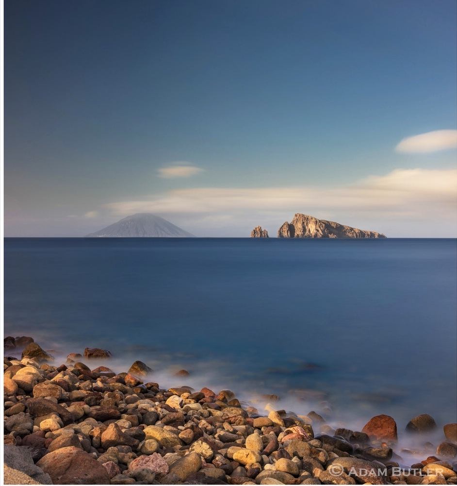 Vista su Stromboli e Basiluzzo da Panarea