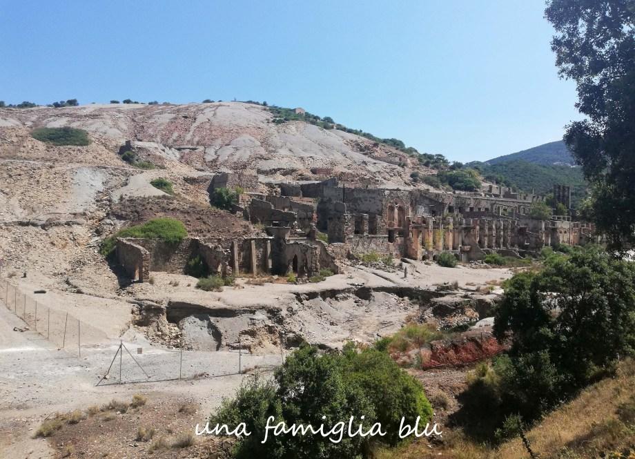 sito minerario abbandonato vicino piscinas