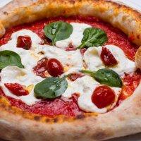 Pizza fatta in casa facile e buonissima