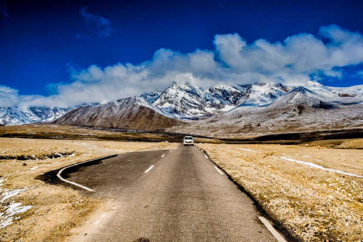 How to get to Gurudongmar Lake in North Sikkim?