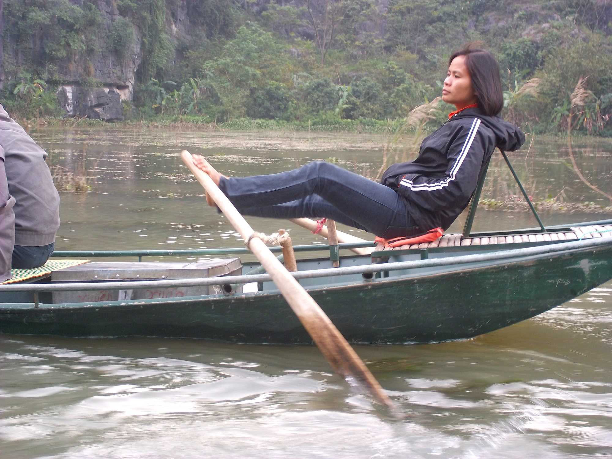 What are the things to do in Trang An near Hanoi, Vietnam?