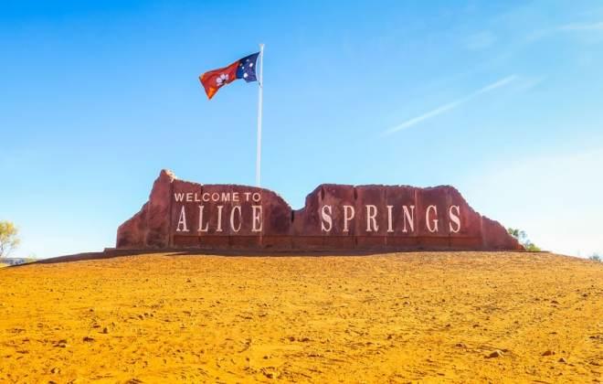 Panneau d'entrée à Alice Springs