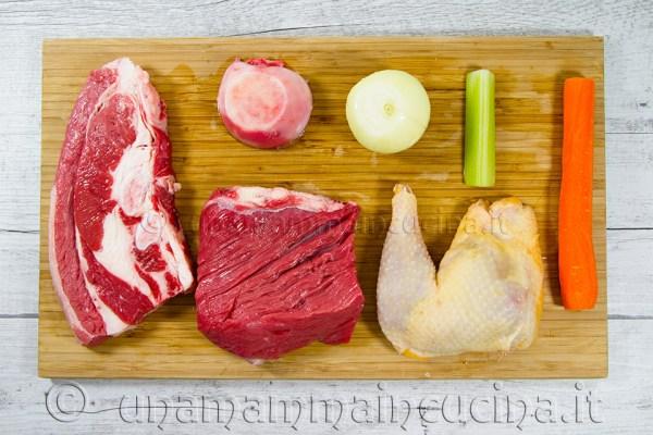 Ingredienti per brodo - Ricetta di unamammaincucina.it