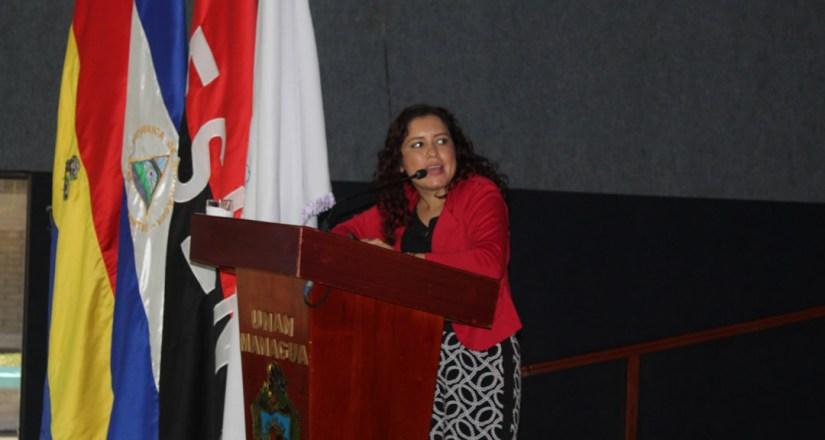 Participación como conferencista de la maestra Adriana Díaz Moreno.