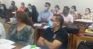Maestrandos de Ciencias Económicas participan en sesión de clases virtuales a cargo de catedrático de Colombia