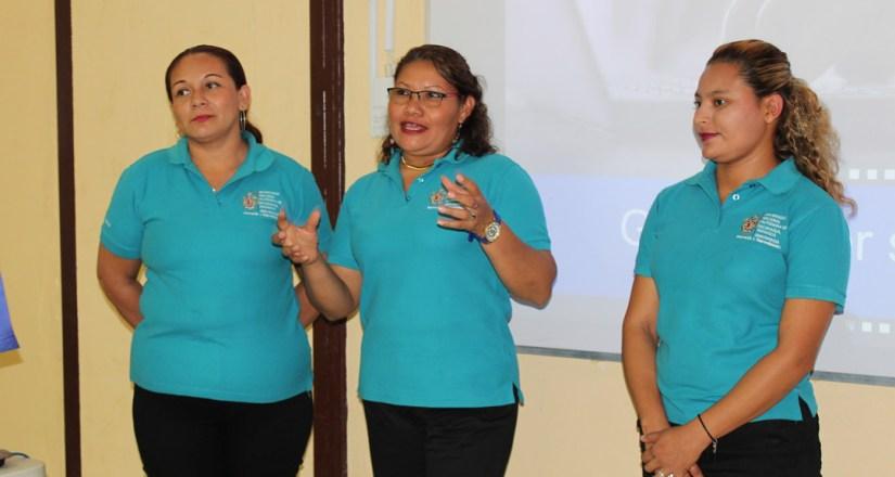 Estudiantes de Innovación y Emprendimiento de la UNAN-Managua señalan la relevancia de la AEP en el proceso de realización de un proyecto creativo.