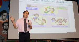 Embajador de Japón comparte experiencias sobre temas de educación, innovación y emprendimiento