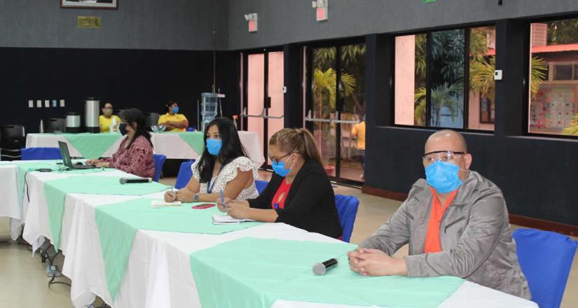 Editores y técnicos de revistas académicas de la UNAN-Managua participaron en la capacitación sobre la herramienta Marcalyc