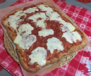 PIZZA IN TEGLIA FATTA IN CASA (come quella del panettiere)