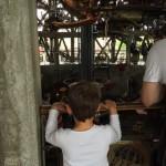 Aydan aux machines de l'île