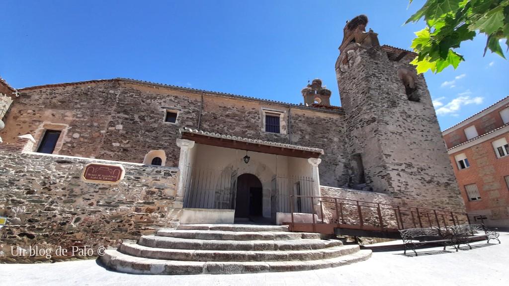 Exterior de la iglesia de Santiago en Alba de Tormes