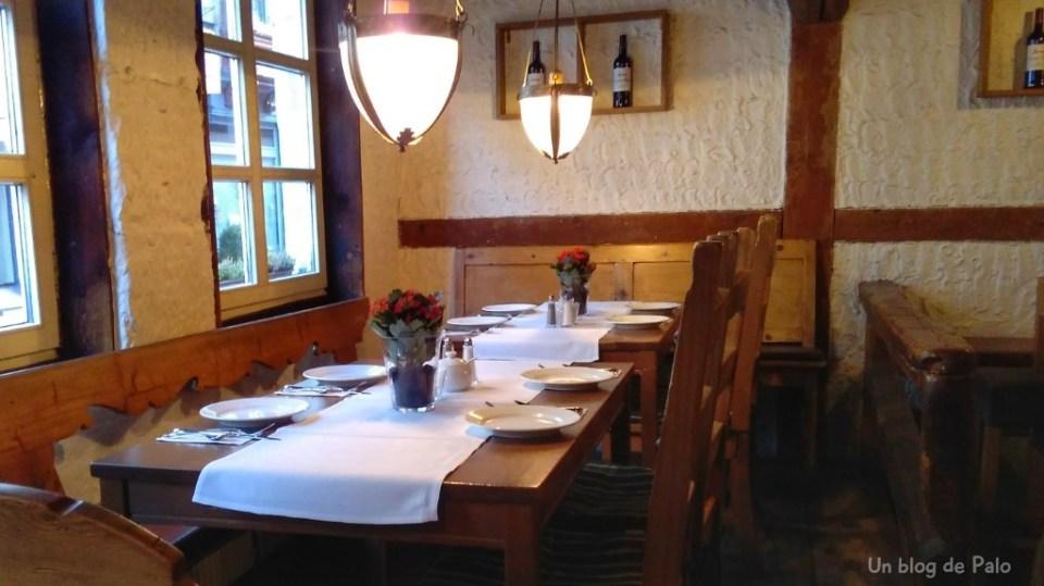 Restaurante típico en el Hotel Elch