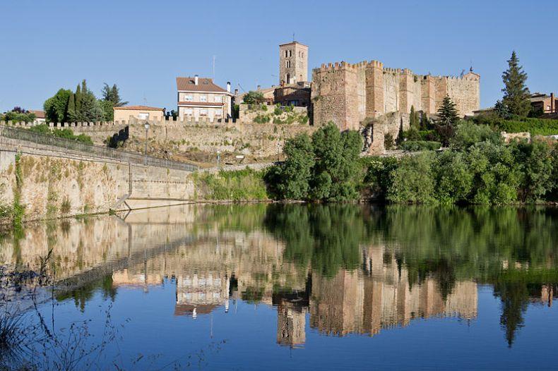Castillo de Buitrago de Lozoya, la foto pertenece a Wikipedia Commons
