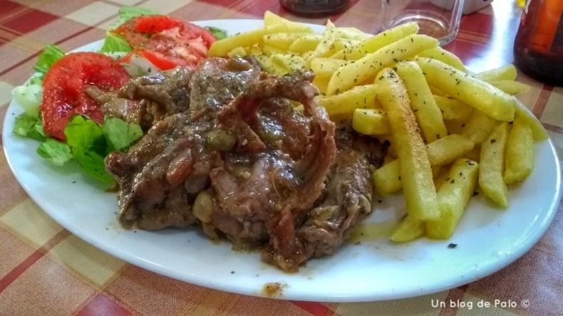 Plato de conejo estofado en Rabat