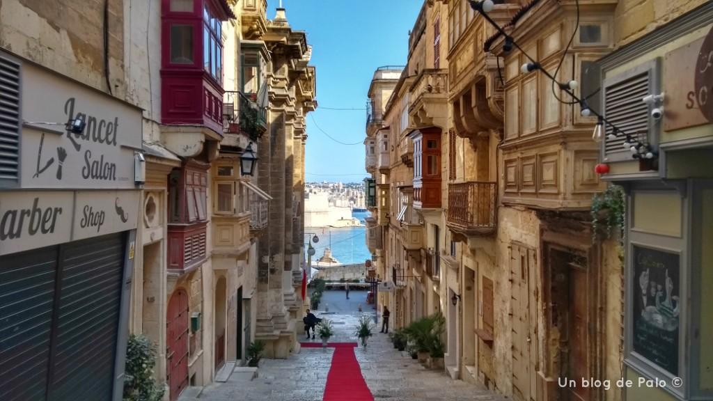 Calles de La Valeta mirando hacia el Gran Puerto
