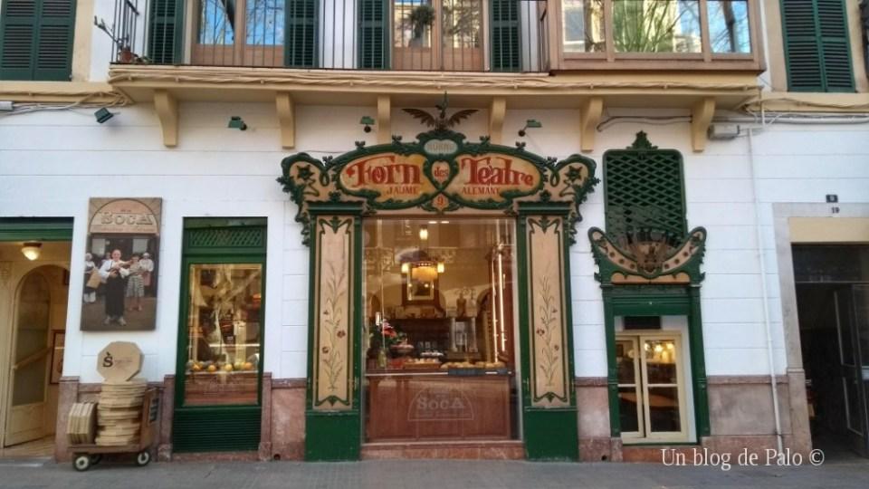 Fachada modernista en Palma de Mallorca