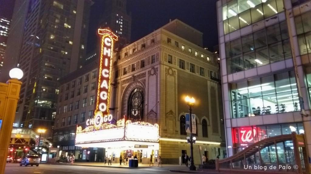 Calles de Chicago y el mítico teatro