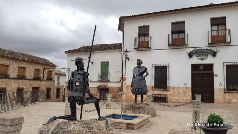 Tour de la vendimia escultura en el Toboso