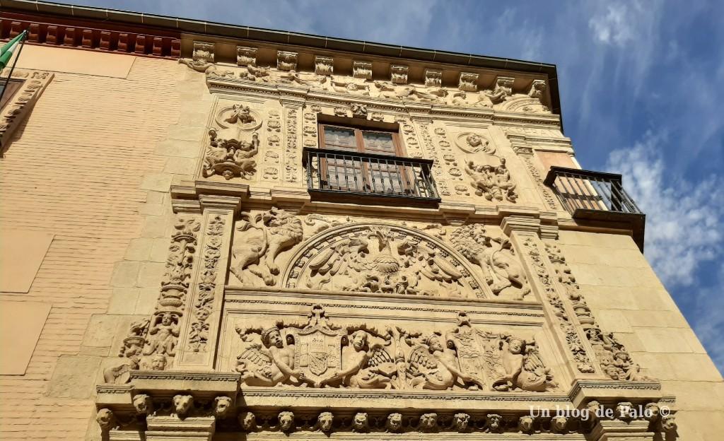 Portada plateresca de la Casa de Castril en Granada