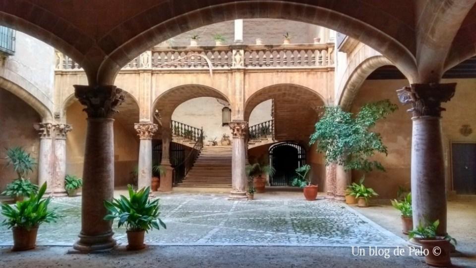 Patios de los edificios civiles de Palma
