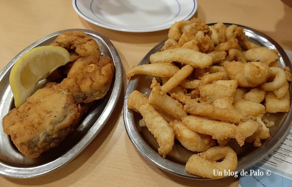 El pescado frito no puede faltar en la ciudad