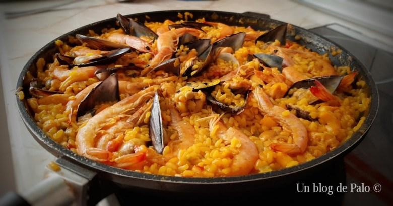 Paella mixta casera